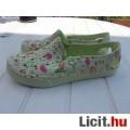 Eladó Női, műanyag cipő