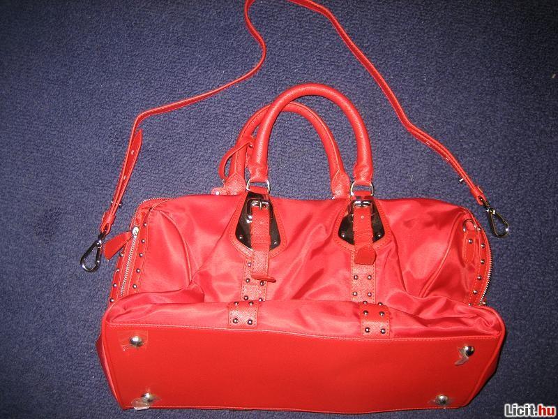 Licit.hu Prada táska Az ingyenes aukciós piactér - licit 6623ee1528
