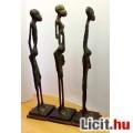 Eladó Afrikai bennszülött bronz szoborcsoport, gyűjteménybe való ritkaság.