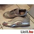 Eladó 39-es ezüst divatos Nike cipő olcsón! Nézd! Extra Akció
