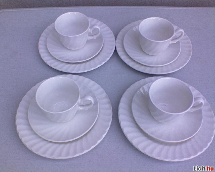 Licit.hu  Fehér angol porcelán kávéskészlet 12db Az ingyenes aukciós ... ffbb74cbc8