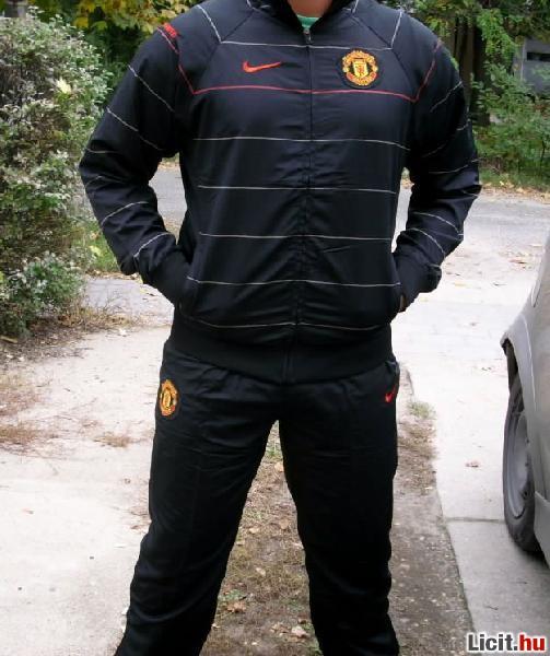 22b6b183ce7b Licit.hu Nike Manchester United melegítő M-es Az ingyenes aukciós ...