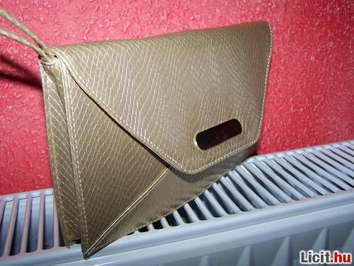 Licit.hu Avon aranyszínű alkalmi táska Az ingyenes aukciós piactér ... 449e81c522