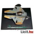 Eladó Star Wars jármű - 6-9cmes Anakin's Jedi Starfighter űrhajó fém modell búra és csom. nélkül - DeA