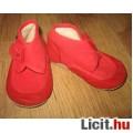 tündéri piros velúre/textil kocsicipő
