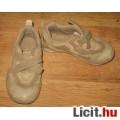 Eladó UNISEX Quechua sportcipő,méret:29