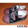 23-as fűzős bőr cipő, BTH: 14,5 cm.