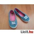 Eladó Kék pöttyös fűzős 30-as cipő (5-7 évesre)