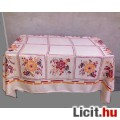Selyem damaszt virágos asztalterítő