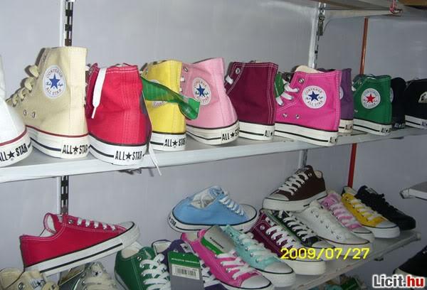 Licit.hu 100% eredeti Converse All Star cipő EMS 1 hét Az ingyenes ... 3facb46f24
