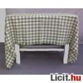 Zöld-fehér kockás asztalterítő