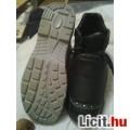 Eladó munkás cipö
