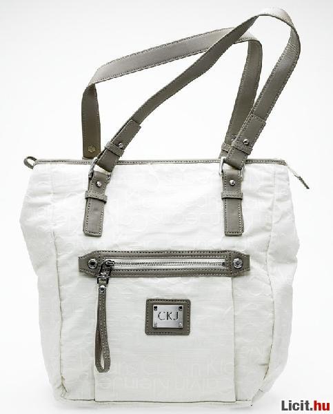 Licit.hu Calvin Klein táska - Új 5a17bf43c8