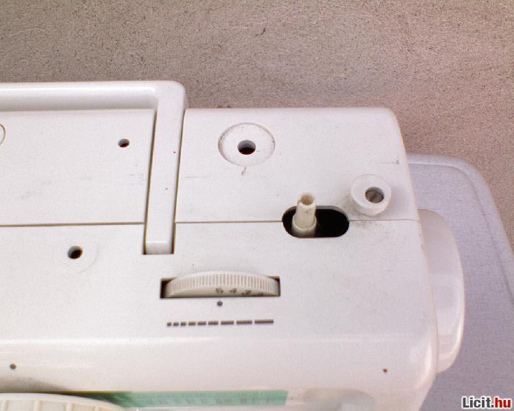 Licit.hu  PRIVILEG 5013 háztartási hordozható varrógép Az ingyenes ... 7019302084