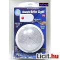 Távvezérlős, és nyomásra kapcsolódó LED-es lámpa.