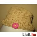 Eladó virágos horgolt kalap