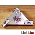 Eladó Háromszög alakú, virágos mintás Herendi hamuzó tálka, nagyon ritka egy