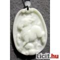 Különleges egyedi fehér jáde zodiákus bak amulett  medál