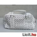 Eladó # VIA 55 Fehér szegecses kézi táska