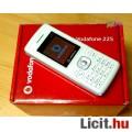 Eladó Vodafone 225 piros, fehér, vagy fekete színben, új állapot, eredeti do