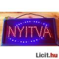 Eladó Nyitvatartást jelző színes LED-es tábla, üzletre