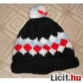 Eladó Fekete-fehér-piros-kék, norvégmintás téli sapka kb 6-10 éves