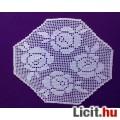 Eladó Nyolc szögű kézzel horgolt terítő 32x37 cm